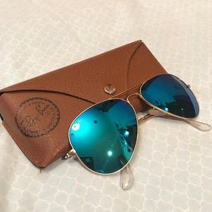 Blue Mirror Aviator Ray Ban Sunglasses